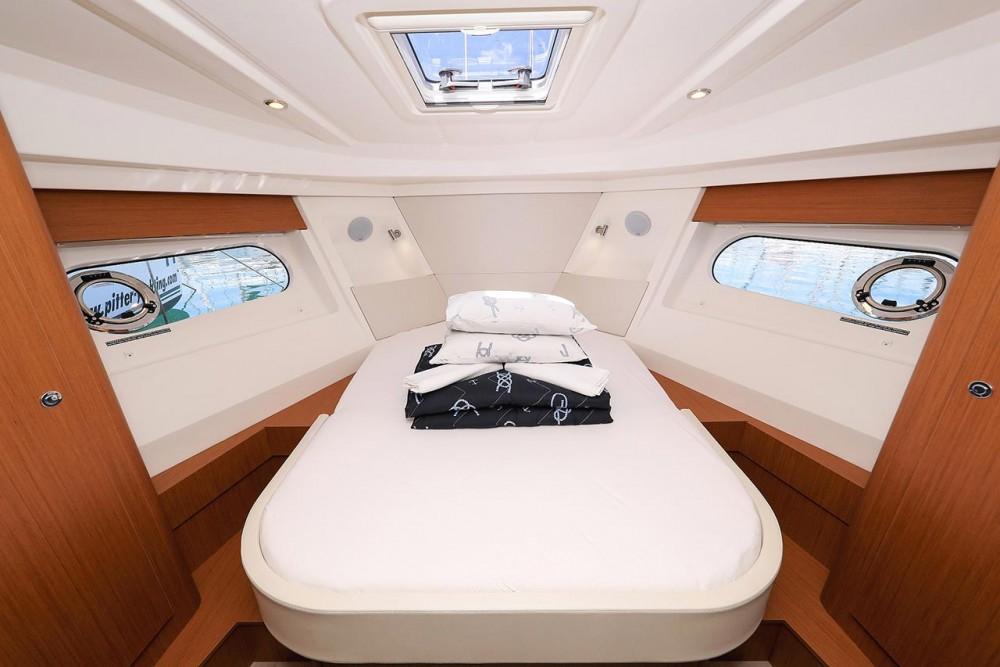 Location bateau Croatie pas cher Swift Trawler 35
