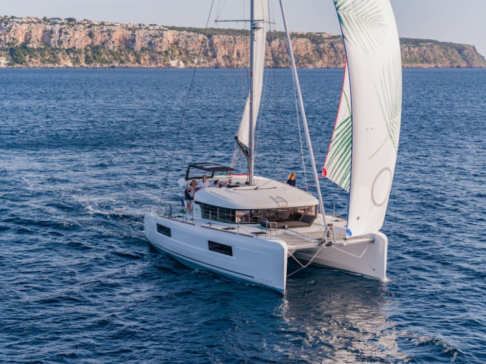Location bateau Marina de Alimos pas cher Lagoon 40