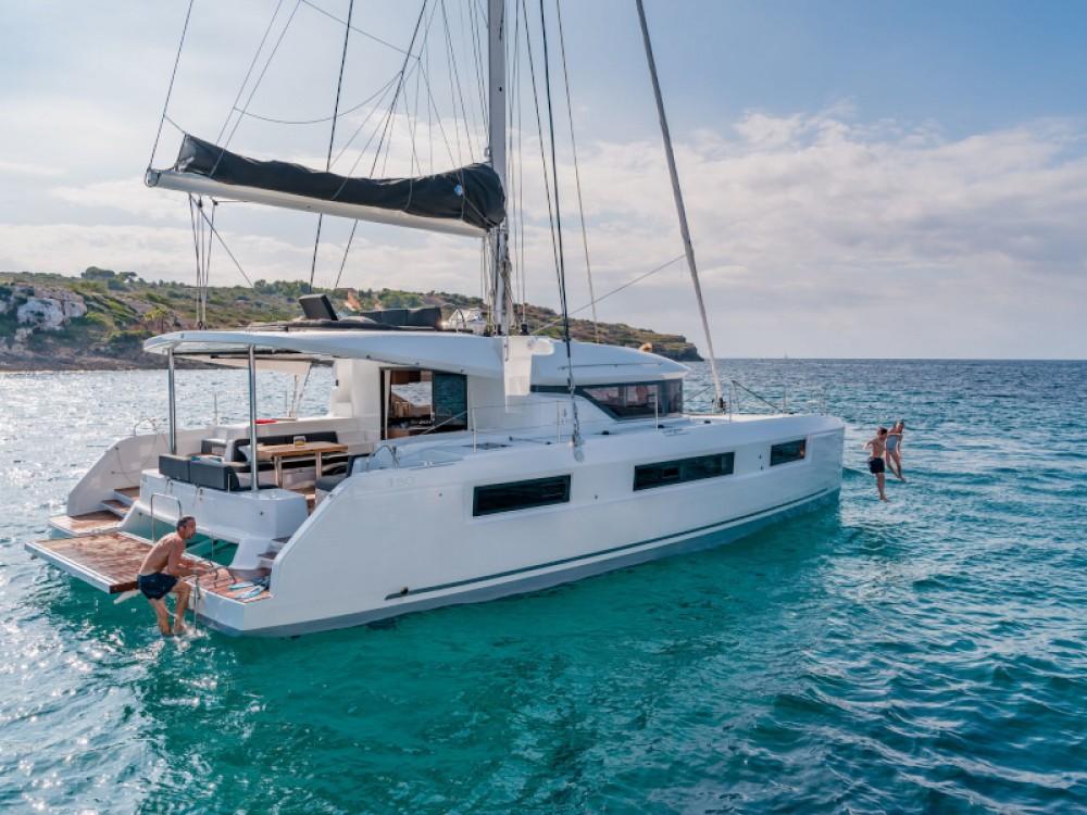 Location bateau Álimos pas cher Lagoon 50