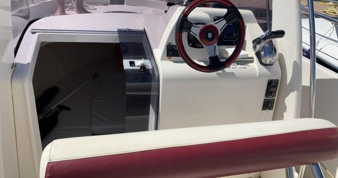 Louez un Ocqueteau Abaco 22 Sun Deck à Port-Camargue