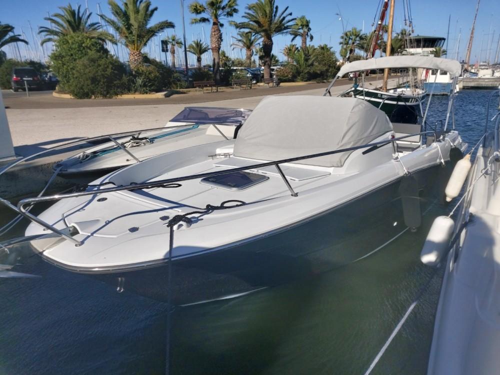 Location bateau Jeanneau Cap Camarat 7.5 WA Serie 2 à Hyères sur Samboat