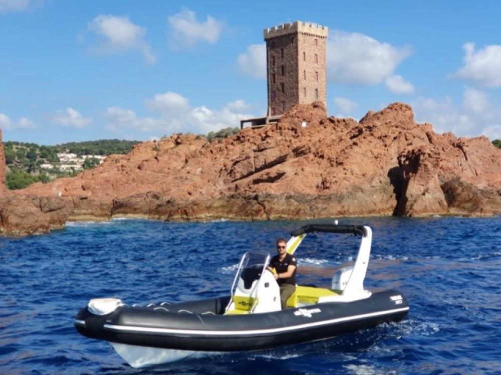 Altamarea Wave 20 entre particuliers et professionnel à Saint-Raphaël