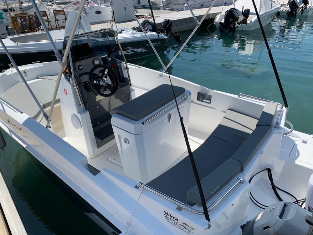 Louer Bateau à moteur avec ou sans skipper compass à Ormos Panagias
