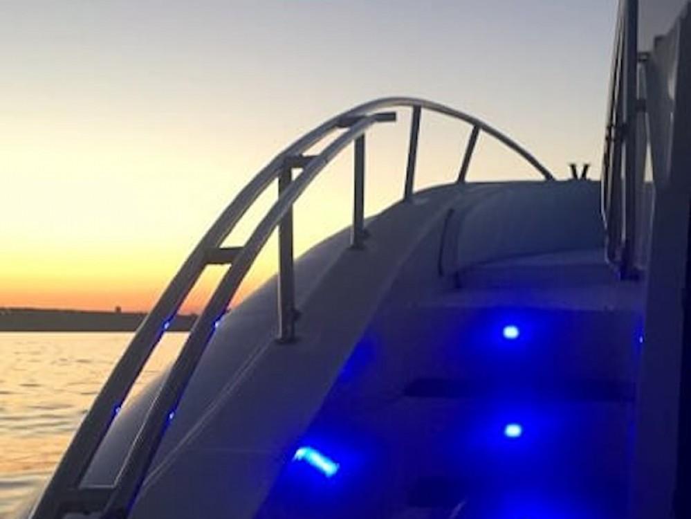 Location Bateau à moteur à Salvo Marina -  Scanner One 999