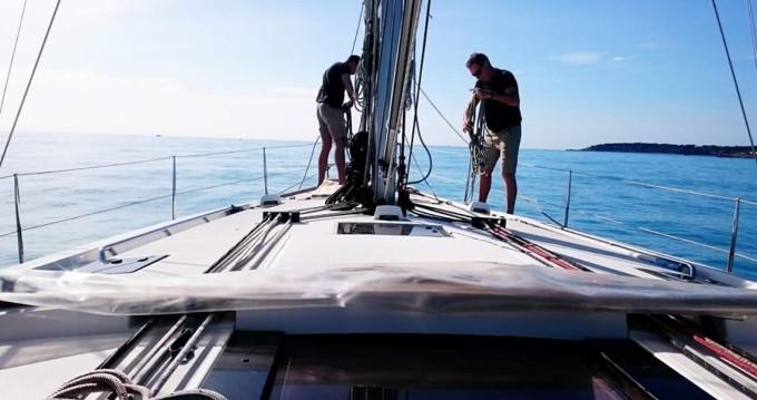 Bénéteau Oceanis 48 entre particuliers et professionnel à Saint-Tropez