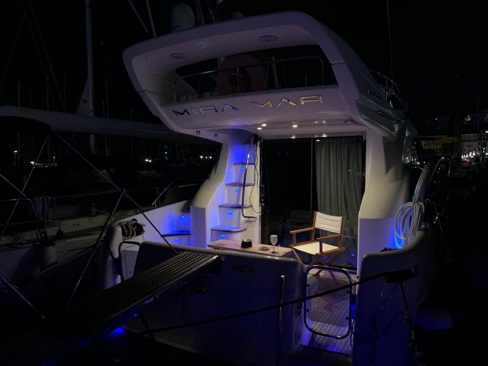Azimut Azimut 39 E Fly entre particuliers et professionnel à Fréjus