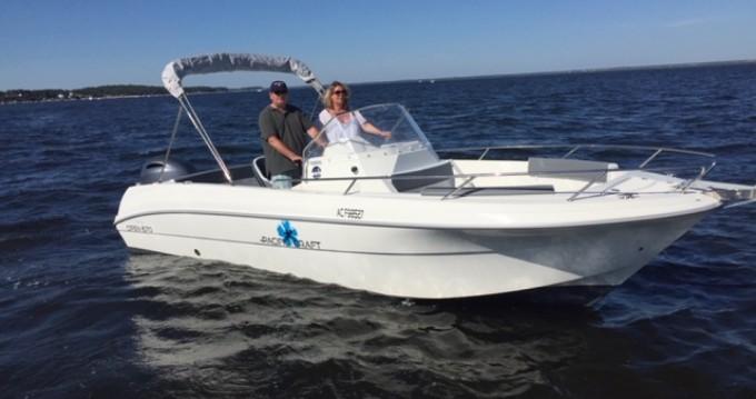 Location bateau Lège-Cap-Ferret pas cher Pacific Craft 670 Open Trendy