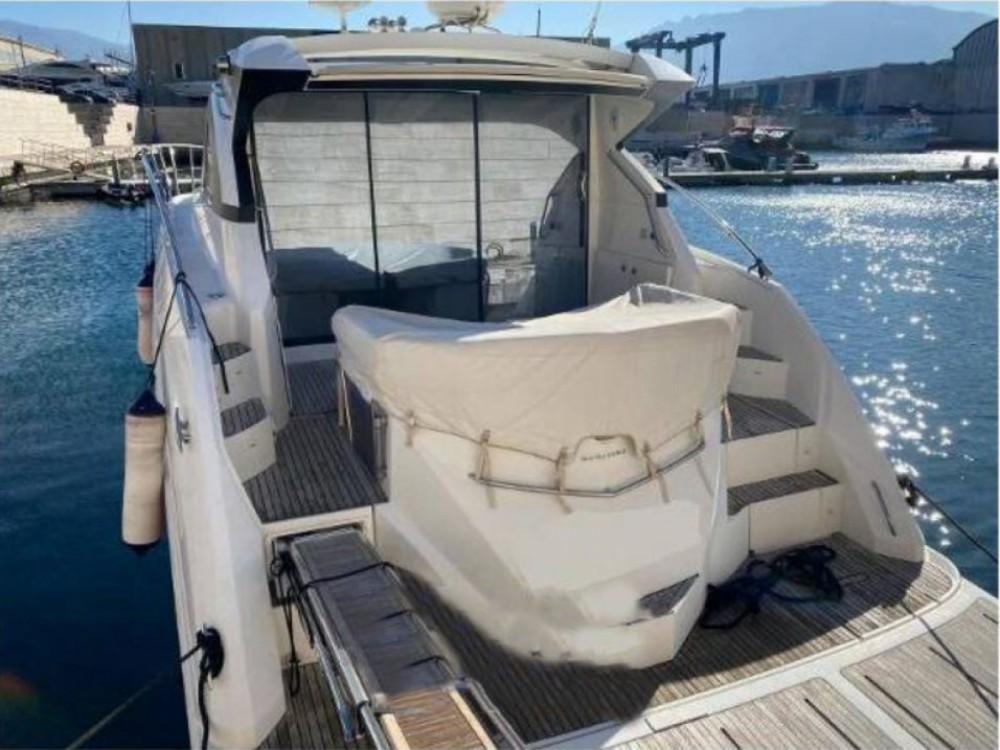 Location bateau Bénéteau Monte Carlo 47 HT à Fréjus sur Samboat
