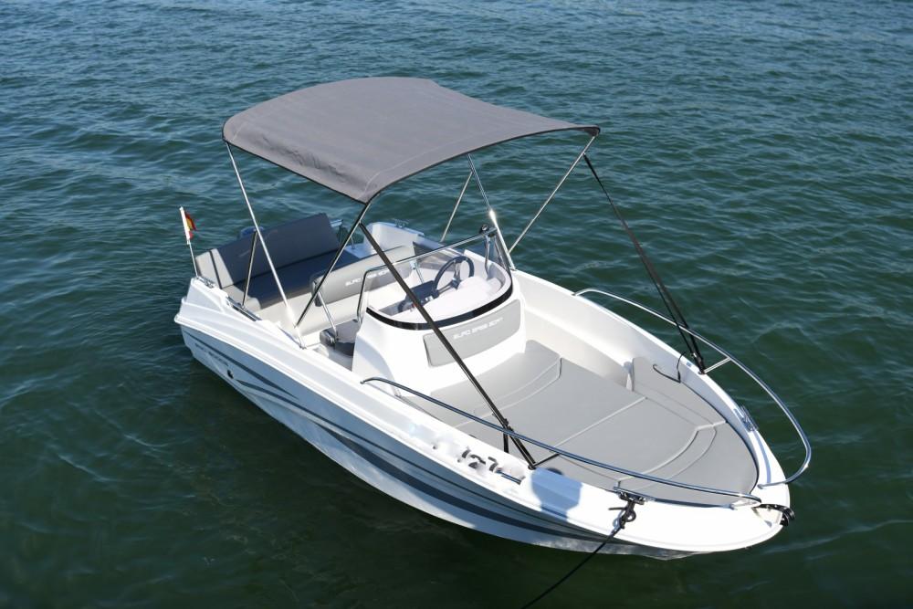 Location Bateau à moteur AM Yacht avec permis