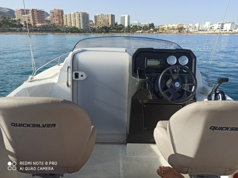 Louer Bateau à moteur avec ou sans skipper Quicksilver à Benalmádena