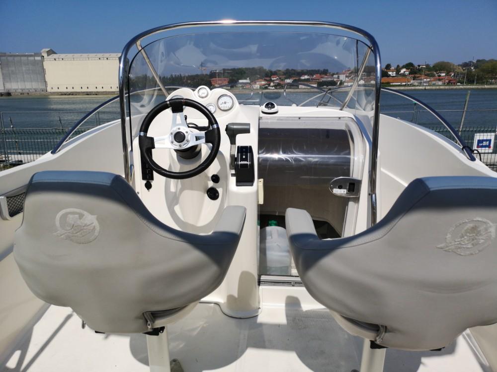 Location yacht à Anglet - Quicksilver Quicksilver 635 Commander sur SamBoat