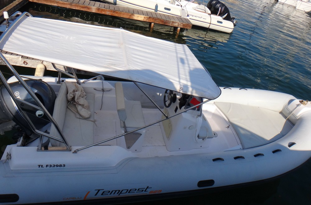 Location Semi-rigide à Grimaud - Capelli Tempest 626