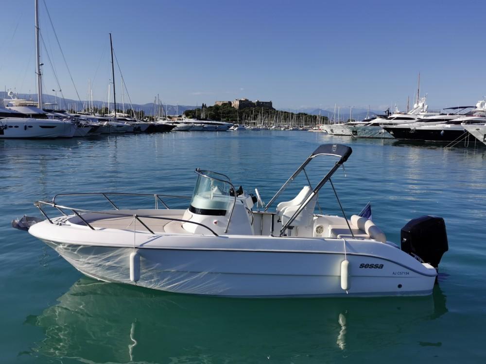 Louer Bateau à moteur avec ou sans skipper Sessa Marine à Antibes