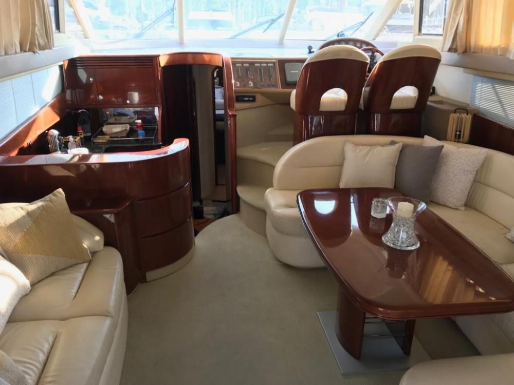 Louer Bateau à moteur avec ou sans skipper Princess à Cannes