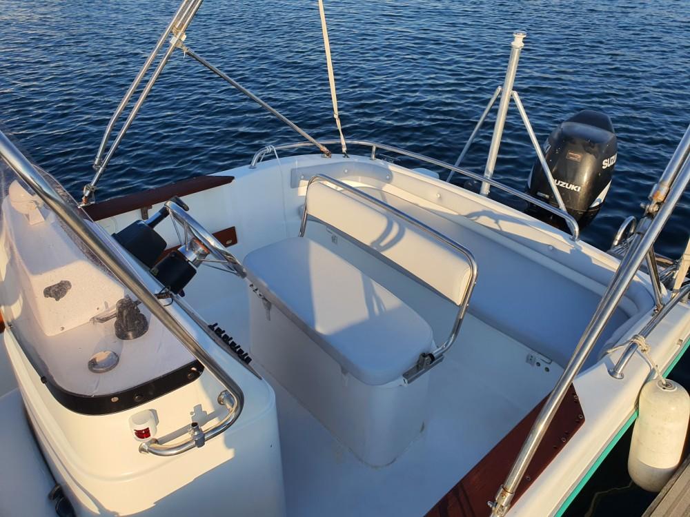 Location bateau Saint-Raphaël pas cher Cap Camarat 575
