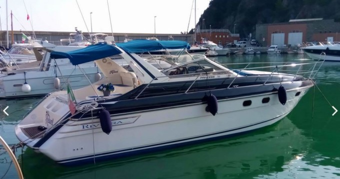 Location bateau Arenzano pas cher Princess 366 Riviera