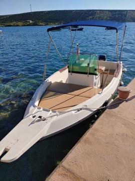 Location bateau Stara Novalja pas cher Elan 17 CC