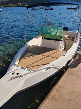 Louer Bateau à moteur avec ou sans skipper Elan à Stara Novalja