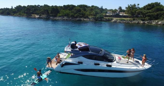 Location bateau Mandelieu-la-Napoule pas cher Galeon 405 HTL