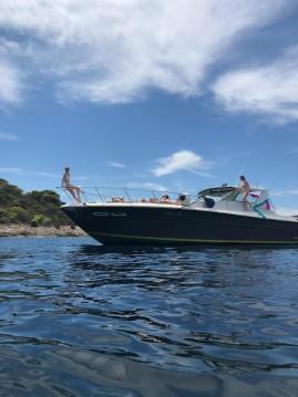 Louer Bateau à moteur avec ou sans skipper Sea Ray à Hvar