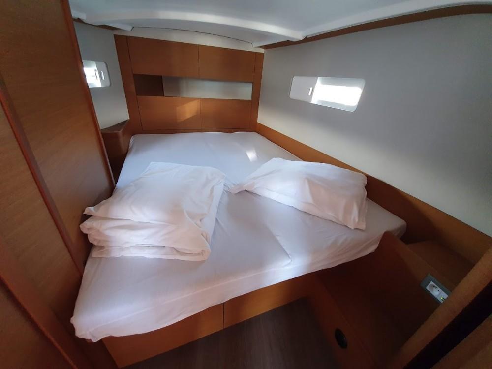 Louez un Jeanneau Sun Odyssey 410 - 3 cab. à Croatie