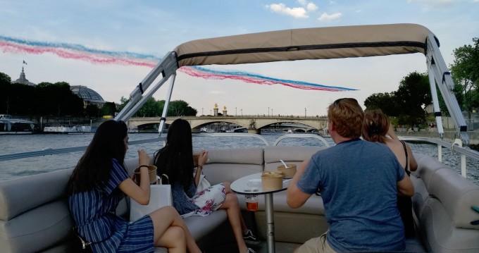 Suntracker Party barge entre particuliers et professionnel à Paris