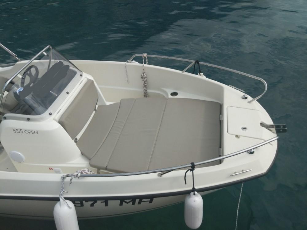 Louer Bateau à moteur avec ou sans skipper Quicksilver à Makarska