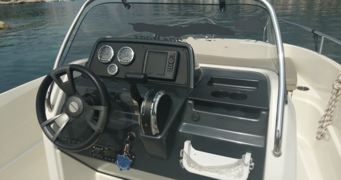 Location bateau Makarska pas cher Activ 555 Open