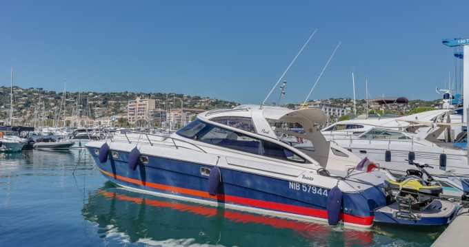 Baia Flash 48 entre particuliers et professionnel à Cannes