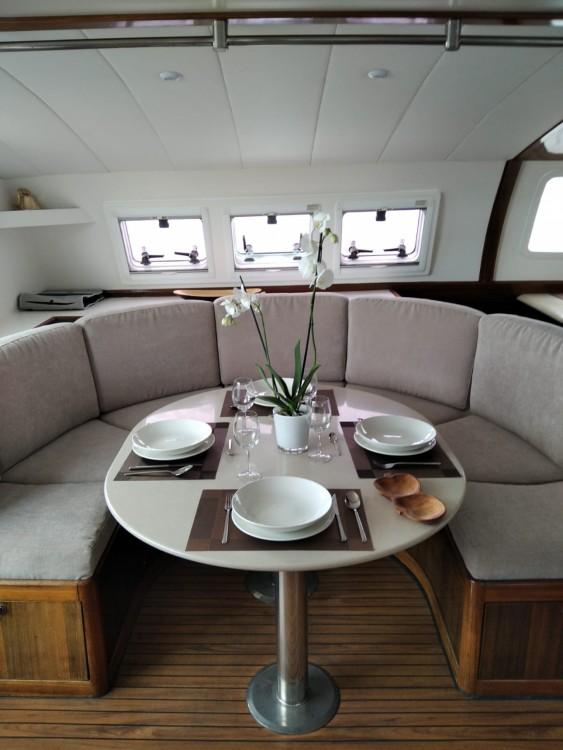 Catamaran à louer à Ibiza au meilleur prix