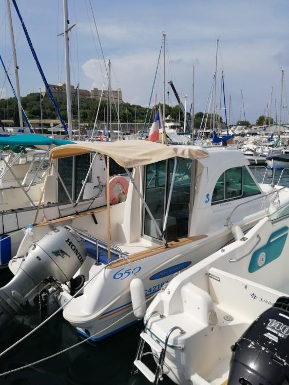 Location bateau Bénéteau Antares 650 à Antibes sur Samboat