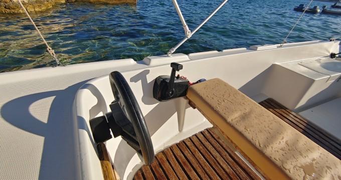 Location bateau Adria 501 à Stara Novalja sur Samboat