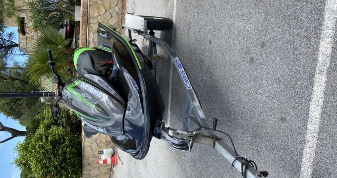 Kawasaki STX15F entre particuliers et professionnel à Sainte-Maxime