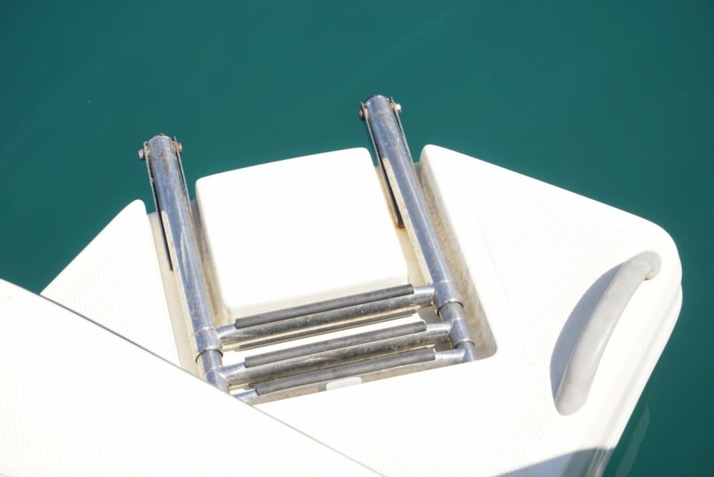Louer Bateau à moteur avec ou sans skipper Bayliner à Nerja