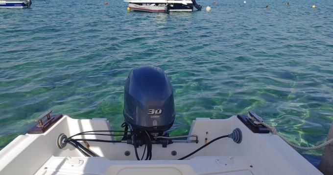 Louer Bateau à moteur avec ou sans skipper Nautica à Stara Novalja
