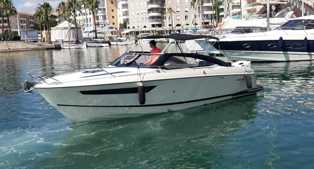 Location bateau Fréjus pas cher Parker 750