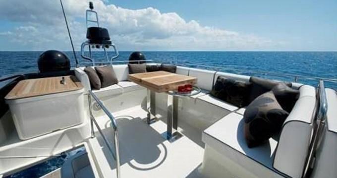 Louer Bateau à moteur avec ou sans skipper Bénéteau à Bandol
