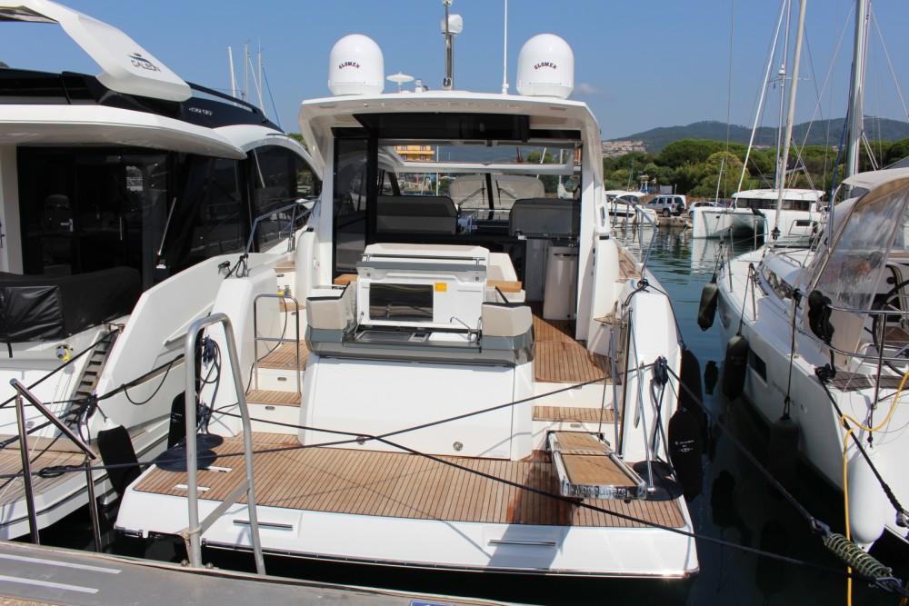 Location bateau Mandelieu-la-Napoule pas cher Leader 46