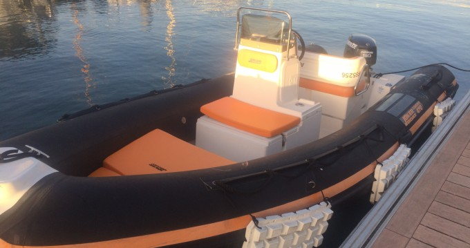 Location bateau Joker Boat Coaster 470 à Île-aux-Moines sur Samboat