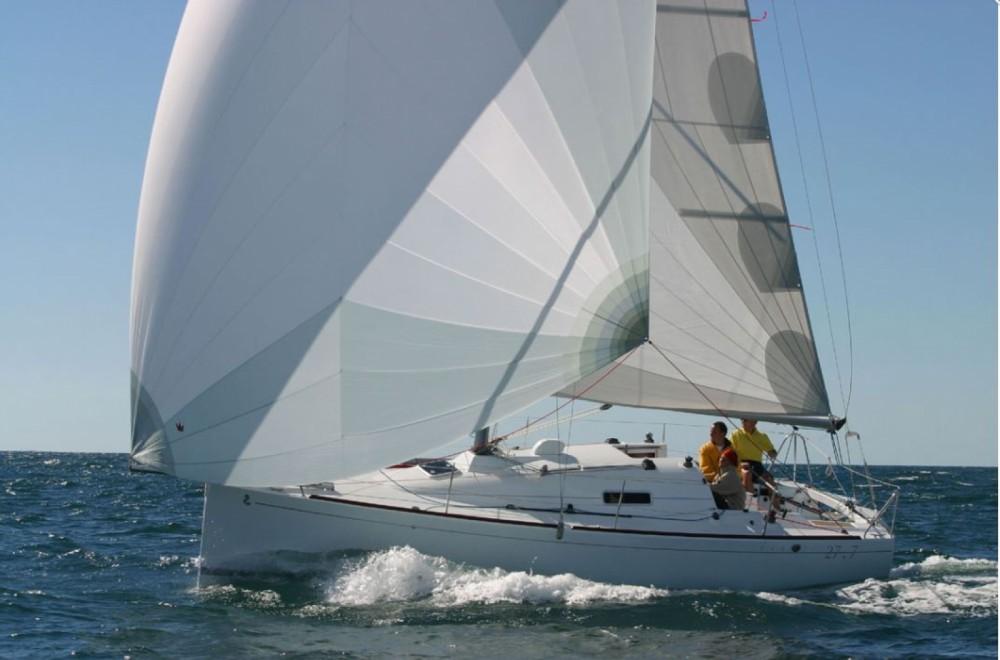 Location yacht à La Trinité-sur-Mer - Bénéteau First 27.7 sur SamBoat