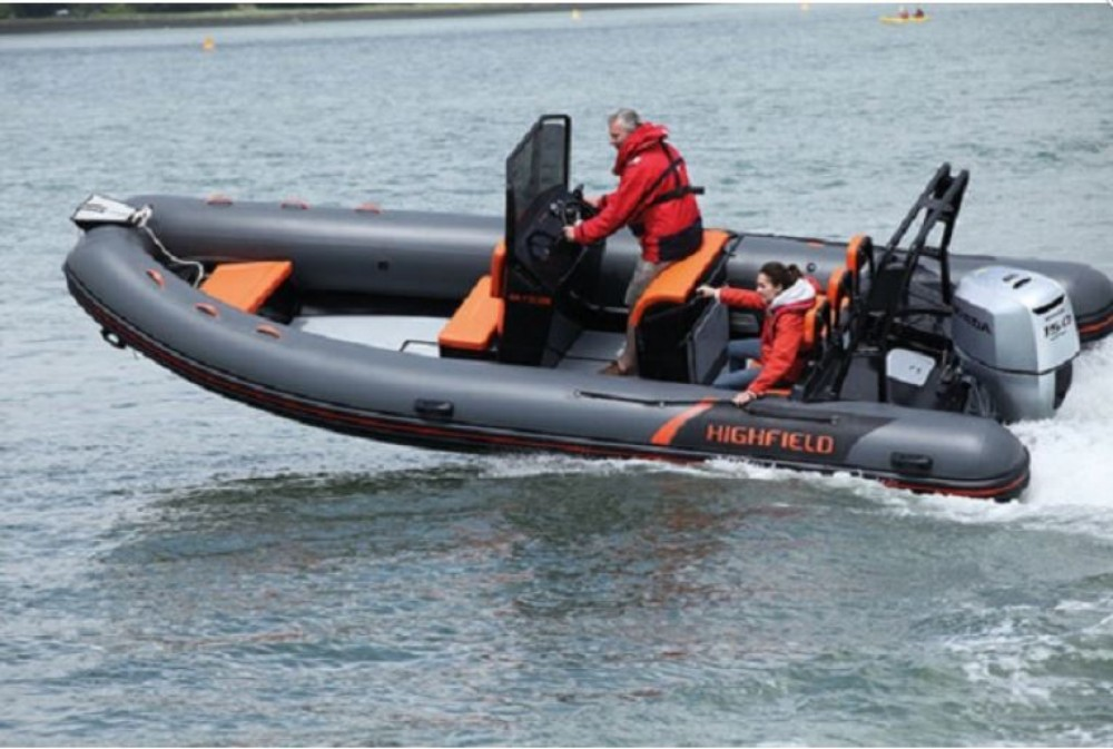 Louez un Highfield Patrol 600 à La Trinité-sur-Mer