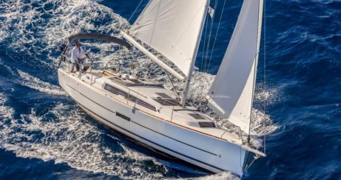 Location yacht à Porto de Portimao - Dufour Dufour 360  sur SamBoat