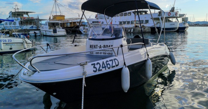 AM Yacht Prince 570 Open entre particuliers et professionnel à Zadar