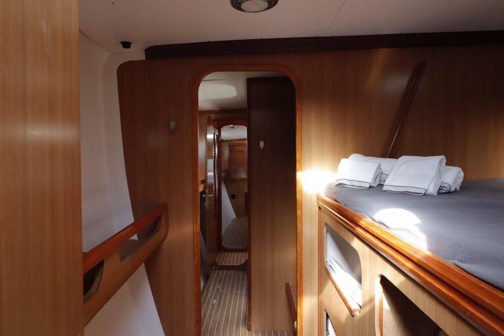Location bateau Faro pas cher Nautitech 47