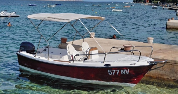 Location Bateau à moteur Nautica avec permis