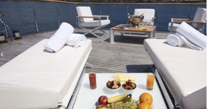 Louer Yacht avec ou sans skipper CNE à Marseille