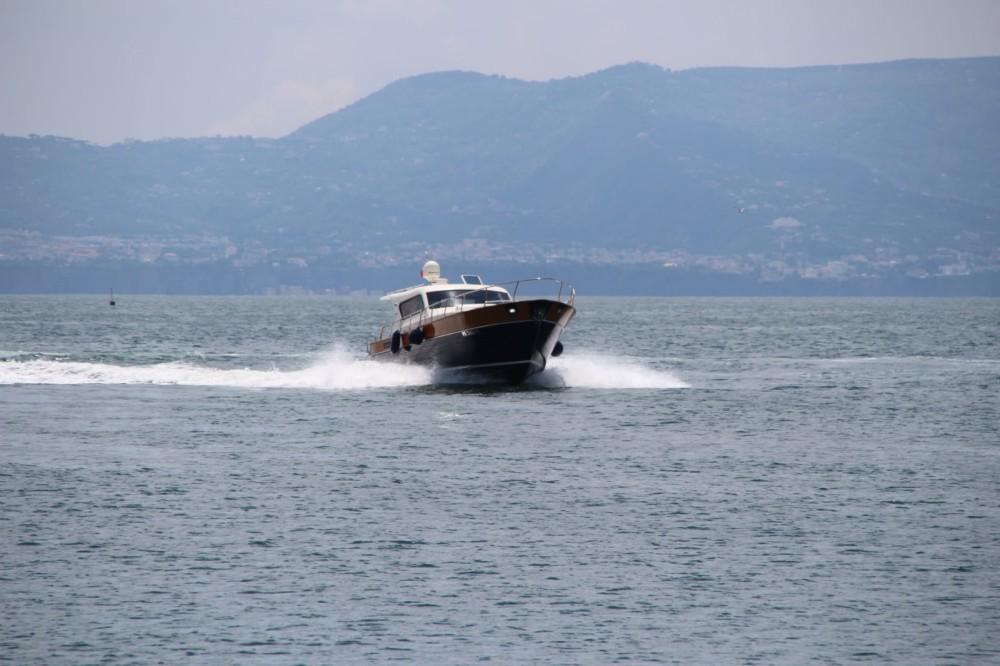 Location yacht à Torre del Greco - cantieri di donna serapo 42 sur SamBoat