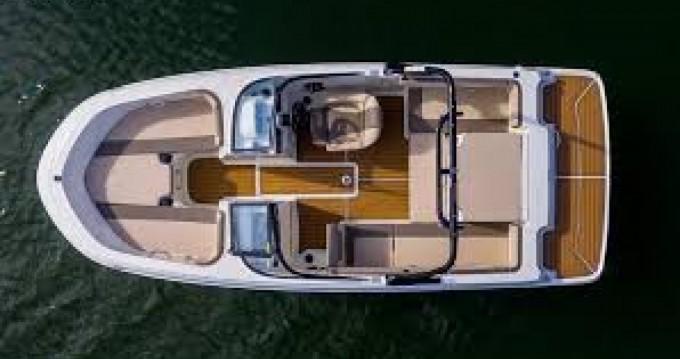 Location Bateau à moteur à Cannes - Bayliner VR4
