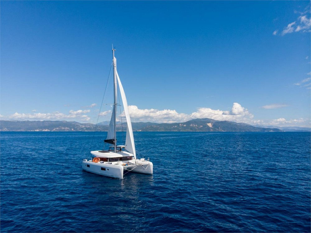 Location bateau Corfou pas cher Lagoon 42 - 4 + 2 cab.