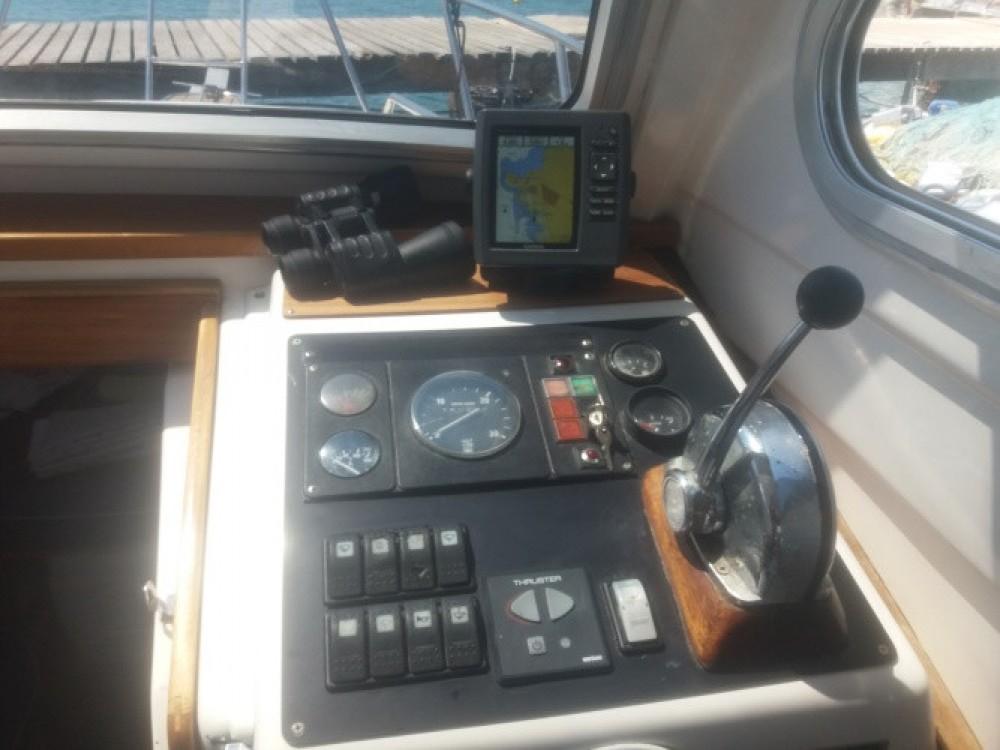 Louer Bateau à moteur avec ou sans skipper Damor à Grad Zadar